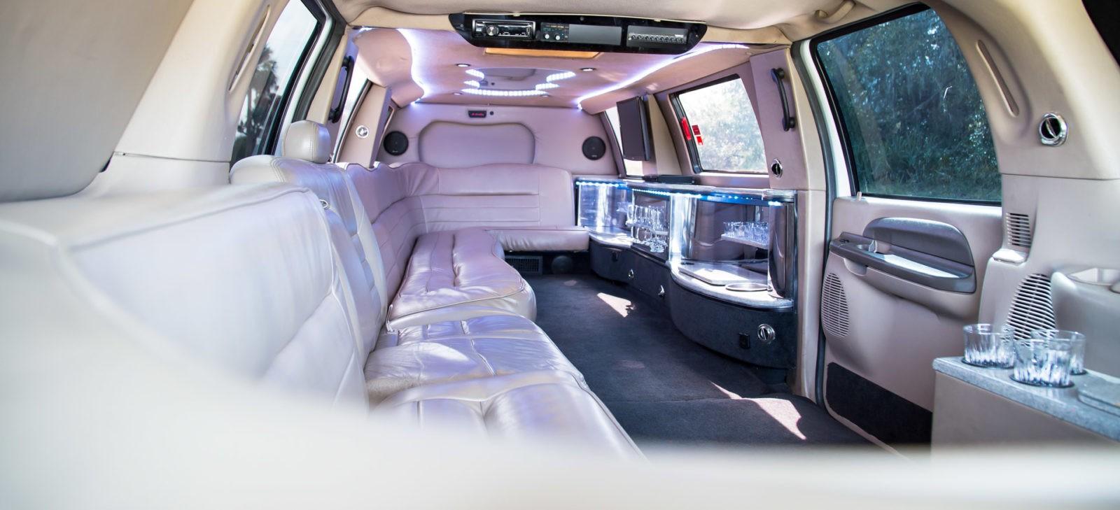 14 Passenger Limousine Apollo S Chariots